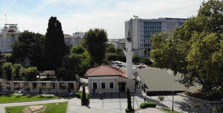 İstanbul'un en uzun isimli camisi: Kadı Hüsameddin Çamaşırcı Hacı Mustafa Efendi 18 Sekbanlar Camii