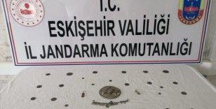 Ankara'dan getirdikleri tarihi eserleri satamadan yakalandılar