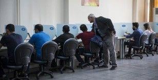 Ehliyet ve çeşitli kursların aşısız sınav görevlilerine PCR zorunluluğu