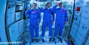 Çinli astronotlar 90 gün sonra uzay istasyonundan ayrıldı