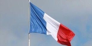'Yüzyılın Anlaşması'nı ABD ve İngiltere'ye kaptıran Fransa'da tepkiler öfkeye dönüşüyor