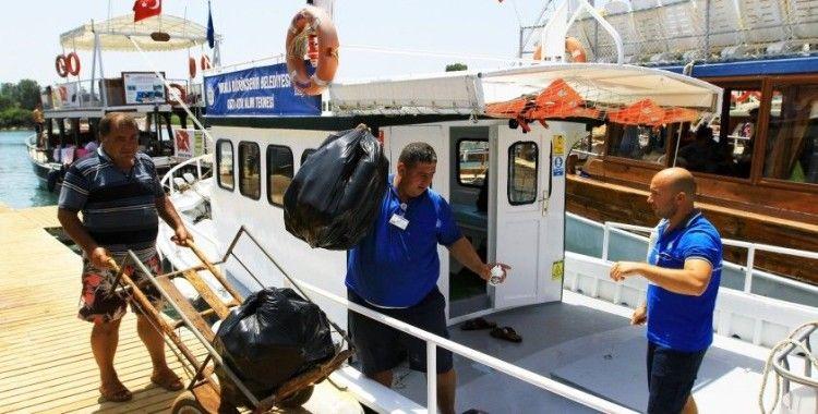 Denizlerden 2,5 milyon ton atık toplandı