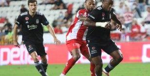 Süper Lig: FT Antalyaspor: 2 - Beşiktaş: 0 (İlk yarı)