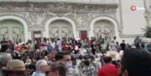 Tunus'ta Cumhurbaşkanı Said'in 25 Temmuz kararlarına karşı ilk büyük protesto