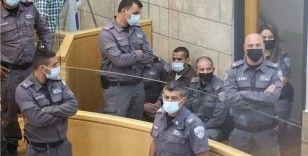 İsrail mahkemesi hapisten kaçtıktan sonra yakalanan 2 Filistinlinin gözaltı süresini uzattı