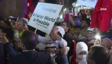 Cumhurbaşkanı Erdoğan'a New York'ta otel önünde sevgi gösterisi