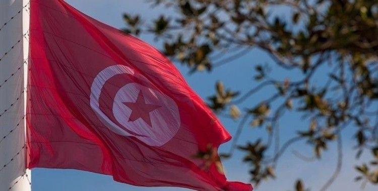 Tunus'taki 4 siyasi partiden 'Cumhurbaşkanı meşruiyetini yitirdi' açıklaması