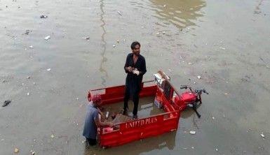 Muson yağmurları Pakistan'da sele neden oldu