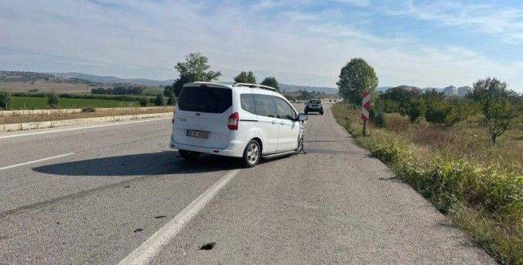 Kamyonet ile otomobil çarpıştı: 1 ölü, 1 yaralı