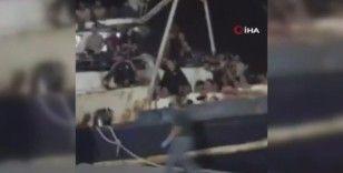 İtalya'nın Lampedusa Adası'na 600'ü aşkın düzensiz göçmen ulaştı