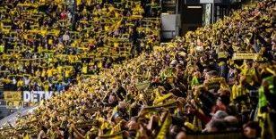 Borussia Dortmund sahasında Augsburg'u 2 golle geçti