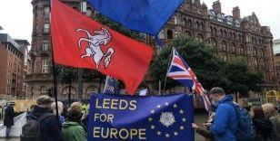 İngiltere'de Başbakan Johnson ve Brexit karşıtları sokaklara döküldü