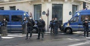 Fransa'da yaklaşık 200 şehirde hükümet karşıtı protesto