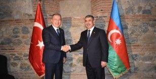 Bakan Akar, Azerbaycanlı mevkidaşı Hasanov ile görüştü