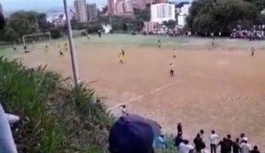 Futbol maçının ortasında kartel çatışması, 2 ölü, 2 yaralı