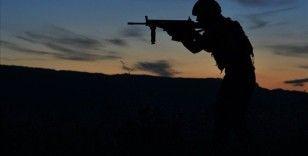 Milli Savunma Bakanı Akar: Fırat Kalkanı bölgesinde ilk bilgilere göre 5 terörist ölü ele geçirildi