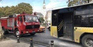 Fatih'te iki İETT otobüsü çarpıştı: 2 yaralı