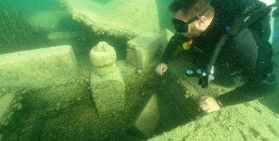 Su altı dalışçıları Halfeti'de batık şehri fotoğrafladı