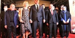 58. Antalya Altın Portakal Film Festivali'nde kırmızı halıda şıklık yarışı