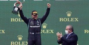 F1'de pilotlar kupalarını aldı