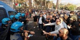 İtalya'da 'Yeşil Geçiş' sertifikasına yönelik protestolar olaylı geçti