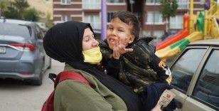 Ameliyat parası toplanan Yiğit, tedavi için İstanbul'a hareket etti