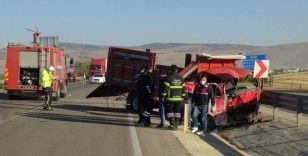 Afyonkarahisar'da feci kaza: 3 ölü, 1 yaralı
