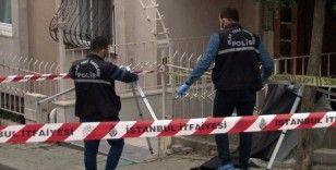 Avcılar'da balkonda cam silerken 5. kattan düşen yaşlı kadın hayatını kaybetti