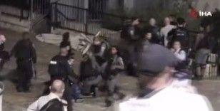 İsrail güçleri, Şam Kapısı'nda Filistinlilere müdahale etti