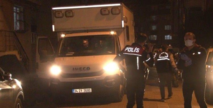 Avcılar'da 'dur' ihtarına uymayan şüpheliler polise ateş açtı: 1 polis yaralı