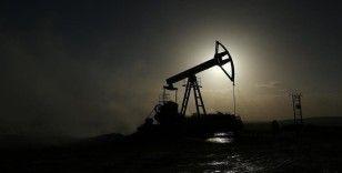 IEA küresel petrol talebindeki artış öngörüsünü yukarı yönlü revize etti