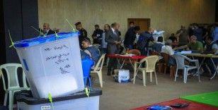 Irak seçimlerinde Sünniler oylarını artırarak ikinci parti konumuna yükseldi