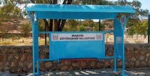 Mardin'de kırsal mahallelere 35 durak montajı yapıldı