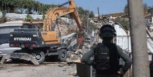 İsrail askerleri Batı Şeria'da Filistinlilere ait onlarca dükkanı yıktı