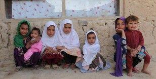 Afganistan'daki çocuklar açlık nedeniyle ölümle karşı karşıya