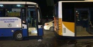 Halk otobüsü belediye otobüsüne çarptı: 9 yaralı