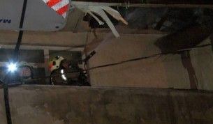 Esenyurt'ta 3 katlı binanın doğalgaz hattındaki patlama nedeniyle iki daire alev alev yandı