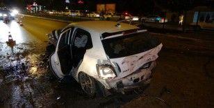 Antalya'da 4 kişinin yaralandığı kaza sonrası adeta can pazarı yaşandı