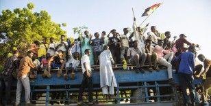 Sudan'da Başbakanlığa yürümek isteyen göstericilere polis müdahalesinde 5 kişi yaralandı