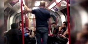 Metroda Asyalı kadına saldırmaya çalışan adama yolcular müdahale etti