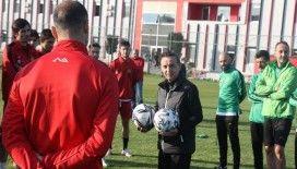 Suat Kaya, Eskişehirspor ile ilk antrenmanına çıktı