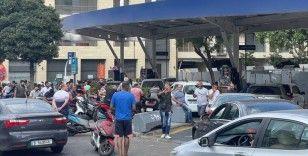 Ekonomik krizdeki Lübnan'da akaryakıt fiyatlarına son bir ayda üçüncü zam