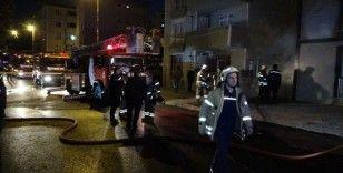Tuzla'da yangında mahsur kalanları tır üzerinden kurtarma anları kamerada