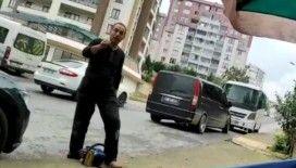 Evinin önünde yeğeninin hamsi satmasını istemeyen amca motorlu testereyle tezgahı parçaladı