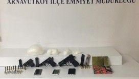 Arnavutköy'de uyuşturucu satıcısı polisin takibine takıldı