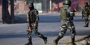 Cammu Keşmir'de çıkan 2 çatışmada 4 direnişçi ve bir polis öldü
