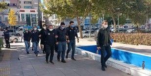 Kırşehir'de FETÖ/PDY operasyonu: 3 gözaltı