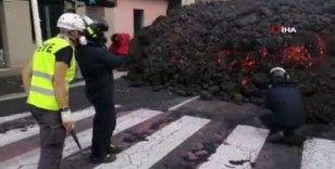 İspanyol bilim adamları La Palma'daki yanardağ için lavlardan örnekler topladı