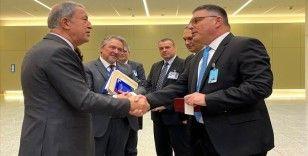 Bakan Akar, Bulgar mevkidaşı Panayotov ile görüştü