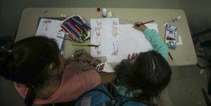Bosna Hersek'te kamplarda yaşayan göçmen çocukları yarım kalan eğitimlerine devam ediyor